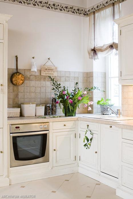 Galeria zdjęć  Kuchnia prowansalska  piękna aranżacja białej kuchni w trady   -> Hiszpania Kuchnia Tradycyjna