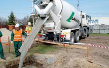 Zamów beton w betoniarni. Jak kupować beton towarowy?