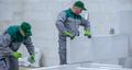 Murowanie z betonu komórkowego zimą. Jak prowadzić prace budowlane w ujemnych temperaturach?