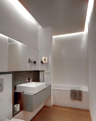 Diody led poświetlające sufit łazienki