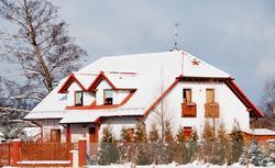 Zakończenie budowy domu jednorodzinnego: czego spodziewać się w pierwszym roku użytkowania?