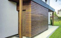 Przebudowa domu. Jak dobudować drugie wejście w podzielonym domu?