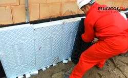 Izolacja termiczna fundamentów. Czym i jak ocieplać fundamenty? Obejrzyj nasz film