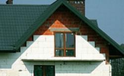 Granulat, kształtka, otulina - termoizolacja domu to nie tylko styropian w płytach