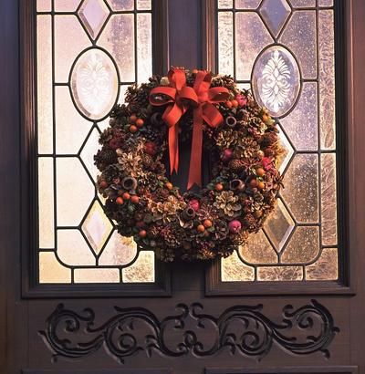 Stroiki bożonarodzeniowe, które ozdobią drzwi wejściowe