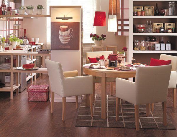 Ażurowe półki kuchenne w kuchni otwartej
