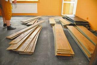 Po powodzi - podłogi, ściany, okna