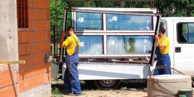 Okna do domu. 7 rad, jak kupować okna w salonie