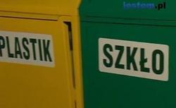Trzy kontenery, jedna śmieciarka. Czy segregacja śmieci ma sens? WIDEO