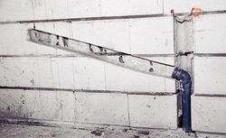 Przewody i rury w ścianach: poznaj zasady wykonywania bruzd